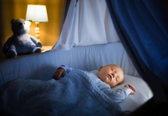 Vaikų kambario apšvietimas: kaip pasirūpinti ir jaukumu, ir patogumu?