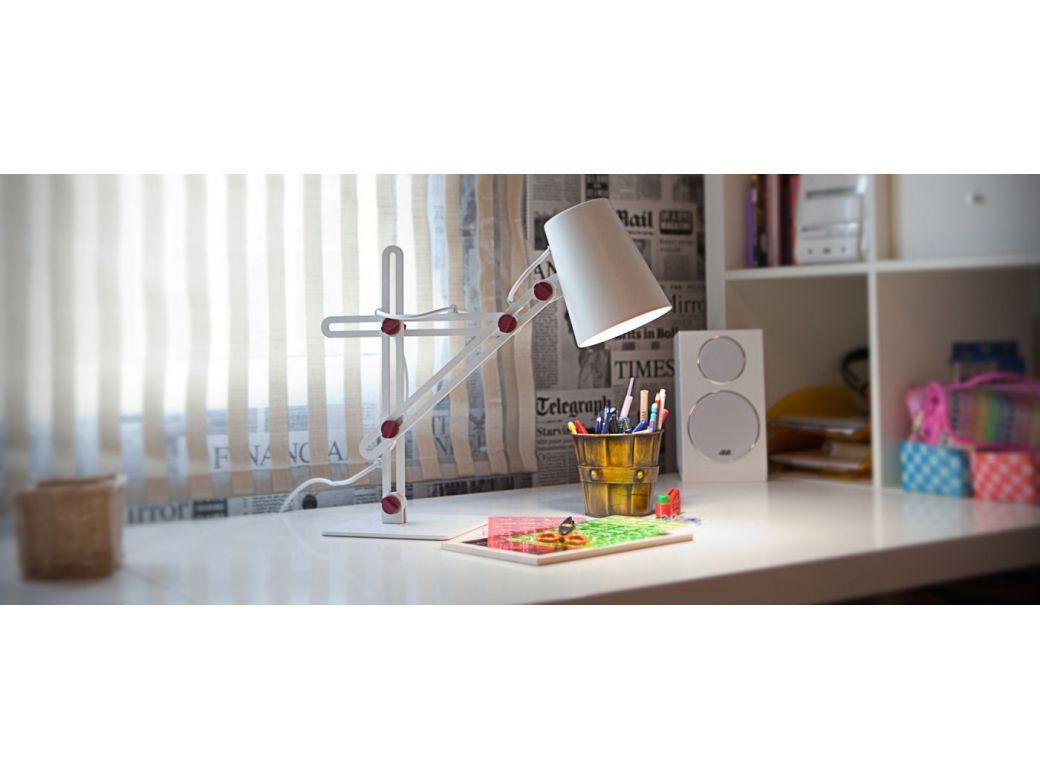 Saugokite vaikų regėjimą: teisingas rašomojo stalo apšvietimas